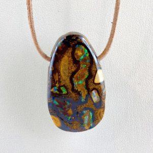 Boulderopal, Opal im Muttergestein, gebohrter Stein, Steinanhänger