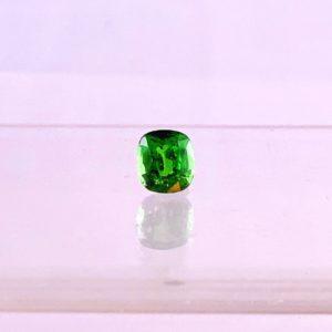 Tsavorith, grüner Edelgranat, Granat, Edelstein facettiert, oval, 3,22ct