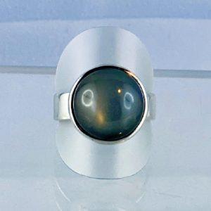 Mondstein Ring, breite Schiene, Indien, Naturfarbe