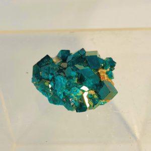 Dioptasstufe mit wunderschönen Kristallen, super Farbe